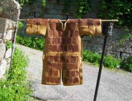 Broigne à plaque de cuir